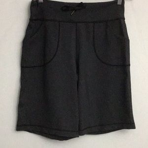Lululemon Still Bermuda Shorts Size 6 Dark Gray